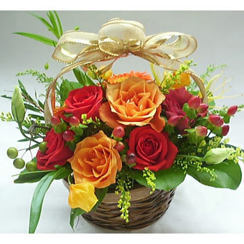 12 mix roses in a basket