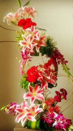 3 to 4 Feet Pink Lily Red Carnations Purple orchids
