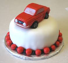 1/2 Kg chocolate Cake with Toy car on top