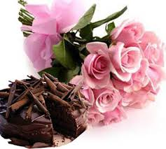 1/2 Kg Chocolate Cake with 12 Pink Roses bouquet