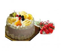 1/2 kg fresh fruit cake 6 Red Roses bouquet