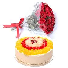 1 Kg Fresh Fruit Cake with 12 Red Roses bouquet