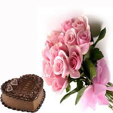 1 Kg Chocolate Heart Cake with 12 Pink Roses bouquet