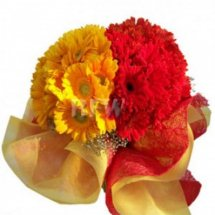 12 Yellow and red gerberas bouquet
