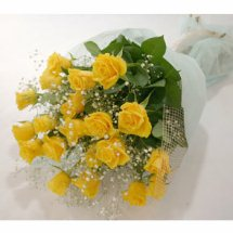 yellow rose flowers images. A dozen yellow rose#39;s