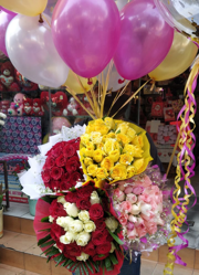 20 gas balloon with 4 Bouquet of flowers Red Pink Yellow and red white