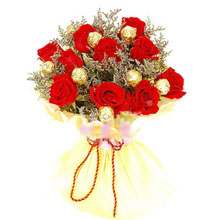 6 Red roses with 4 Ferrero in the same bouquet