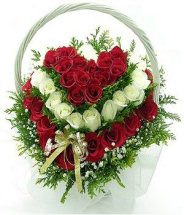 80 Red and white roses ALTERNATE heart in Basket