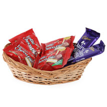 Basket with 2 dairy milk and 6 chocopie