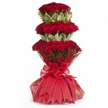 100 Red Roses Bouquet in triple packing